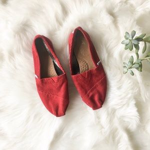 NEW TOMS Red Cord Classics, 8.5